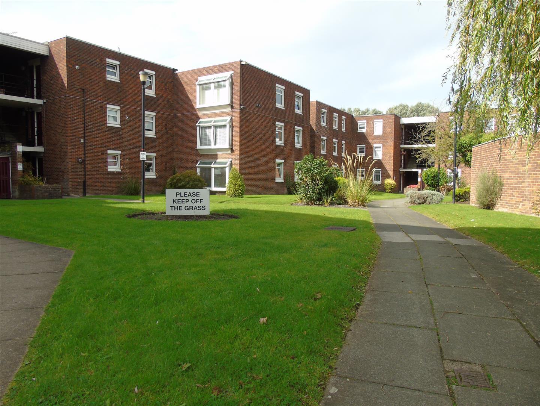 3 Bedrooms, Flat - Second Floor, Green Park, Bootle
